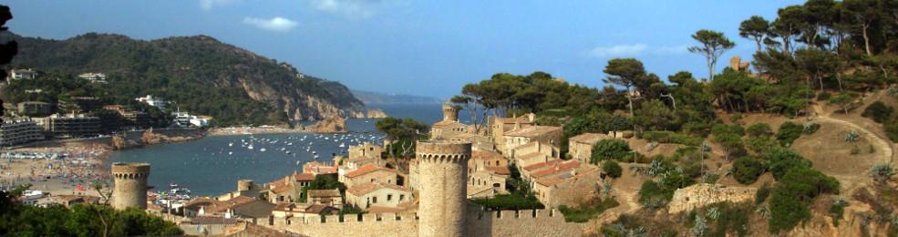 La baie et les murailles de Tossa de Mar